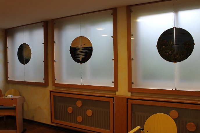 Raum-der-Stille-ev.-KH-Hattingen-Schoepfungszyklus-6-Fenster-Schlamm-Oel-auf-Holz-2001